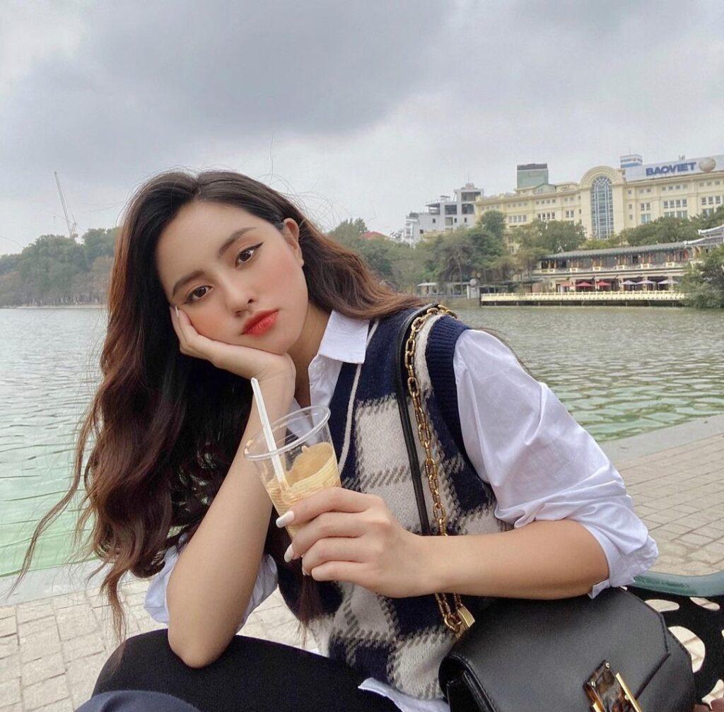 Sweet Vietnamese Girl