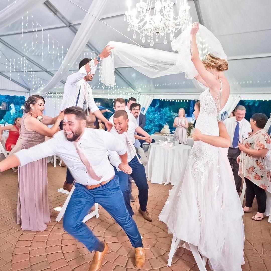 La Vibora De La Mar - Traditional Wedding Dacne